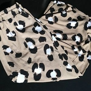 Worthington printed gaucho pants
